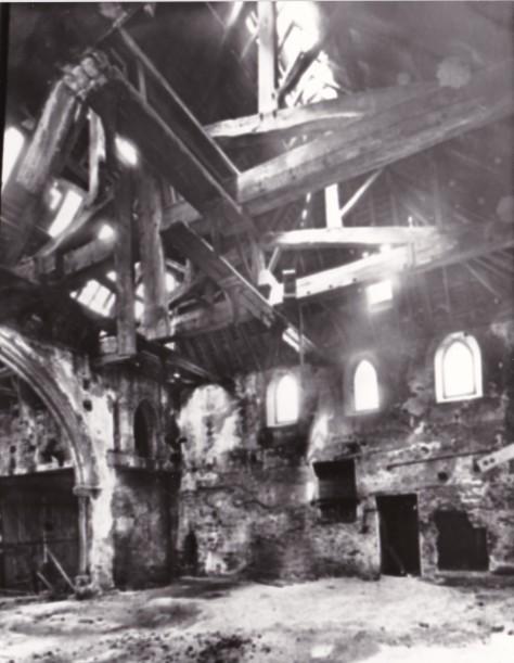 1737 Spaniel Row meeting house 4 Inside 1951